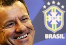 Técnico da seleção de futebol, Dunga, anuncia nomes de jogadores para amistosos em setembro. 22/7/2014  REUTERS/Ricardo Moraes