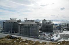 СПГ-завод Statoil в Норвегии 22 апреля 2013 года. Литва в четверг подписала соглашение о покупке сжиженного природного газа (СПГ) у норвежской Statoil, что впервые дает стране альтернативу российскому газу. REUTERS/Nerijus Adomaitis