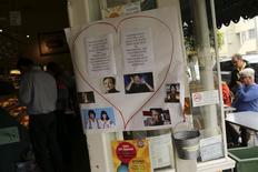 Imagenes del fallecido actor Robin Williams en su antiguo barrio en San Francisco, ago 18 2014. Las cenizas del comediante Robin Williams fueron esparcidas en la bahía de San Francisco tras su suicidio, según un certificado de defunción divulgado el jueves por el condado de Marin, en California.  REUTERS/Robert Galbraith