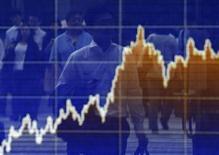 Les principales Bourses européennes ont ouvert sur une note stable lundi, l'annonce de nouvelles fusions-acquisitions et les spéculations autour d'un nouvel assouplissement de la politique monétaire de la Banque centrale européenne occultant partiellement la confirmation du ralentissement de l'activité en Chine. Vers 09h15, le CAC 40 prenait 0,06%. À Francfort, le Dax avançaite de 0,05% et à Londres, le FTSE abandonnait 0,3%. /Photo d'archives/REUTERS/Yuya Shino