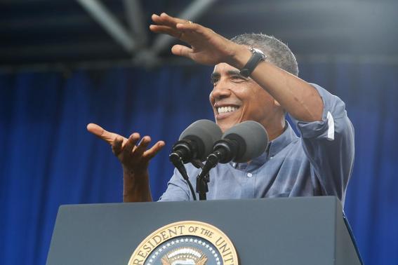 U.S. President Barack Obama delivers remarks at Laborfest 2014 at Maier Festival Park in Milwaukee, Wisconsin September 1, 2014.  REUTERS-Jonathan Ernst
