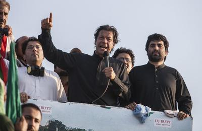 Pakistan protest leader to meet political figures to discuss crisis