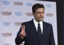 Ator Benício del Toro ao chegar para uma premiére em Hollywood, na Califórnia. 21/07/2014. REUTERS/Mario Anzuoni