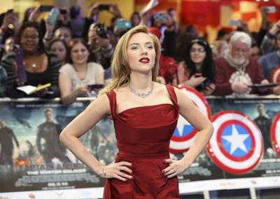Actress Scarlett Johansson gives birth to daughter