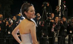 """Atriz Marion Cotillard no tapete vermelho para exibição do filme """"L'homme qu'on aimait trop"""", fora de competição, no Festival de Cannes. 21/5/2014  REUTERS/Regis Duvignau"""
