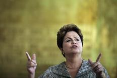 Presidente Dilma Rousseff, candidata à reeleição pelo PT, durante coletiva de imprensa no Palácio da Alvorada, em Brasília. 19/09/2014. REUTERS/Ueslei Marcelino