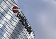 A logo of UniCredit is seen in downtown Milan, August 19, 2014. REUTERS/Stefano Rellandini