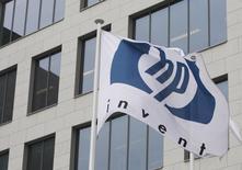 Hewlett-Packard veut se scinder en deux entreprises cotées pour séparer ses activités d'ordinateurs individuels et d'imprimantes de celles dédiées aux entreprises. /Photo d'archives/REUTERS/Thierry Roge
