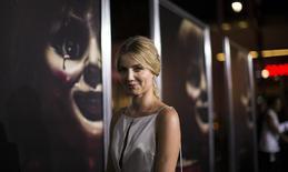 """A atriz Annabelle Wallis chega para a pré-estreia do filme """"Annabelle"""", em Hollywood, na Califórnia, em setembro. 29/09/2014 REUTERS/Mario Anzuoni"""