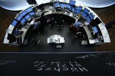 Les principales Bourses européennes ont ouvert jeudi en nette hausse dans le sillage de Wall Street après le message jugé rassurant délivré mercredi par la Réserve fédérale. Le CAC 40 parisien prenait 1,01% à 4.210,18 points peu après l'ouverture. Le Dax allemand progressait de 1,05% et le FTSE britannique de 0,77%. /Photo d'archives/REUTERS/Lisi Niesner
