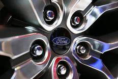 Ford Edge Concept vehicle rim hub is pictured at the 2013 Los Angeles Auto Show in Los Angeles, California November 20, 2013.   REUTERS/Mike Blake
