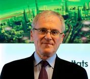 Le gouvernement a annoncé le remplacement d'Henri Proglio à la tête d'EDF par Jean-Bernard Lévy, actuel PDG de Thales, un moyen de s'assurer de la mise en oeuvre de la loi sur la transition énergétique, qui prévoit une réduction du poids du nucléaire en France. /Photo d'archives/REUTERS/Jacky Naegelen