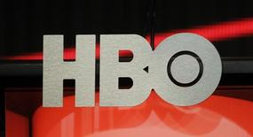 Imagen de archivo del logo de HBO, ago 1 2012. Time Warner Inc planea competir con Netflix Inc y lanzar una opción independiente en el 2015 para su popular canal de cable HBO. REUTERS/Fred Prouser