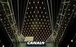 Le groupe de télévision payante Canal+ pourrait se désengager partiellement de la Pologne, son deuxième marché après la France, en cédant sa participation dans le groupe de télévision local TVN pour laquelle il a reçu plusieurs propositions. /Photo d'archives/REUTERS/Eric Gaillard