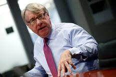 Investidor Jim Chanos durante seminário na sede da Thomson Reuters em Nova York. 19/11/2013. REUTERS/Mike Segar
