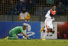 Luiz Adriano comemora gol do Shakhtar Donetsk contra o BATE Borisov.  REUTERS/Vasily Fedosenko