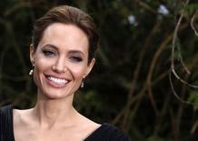 Atriz Angelina Jolie em evento no Palácio de Kensington, em Londres. 8/5/2014  REUTERS/Luke MacGregor