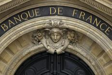 Detalles de la fachada del Banco de Francia en su sede en París. Imagen de archivo, 09 mayo, 2012. La economía de Francia se encamina a crecer un 0,1 por ciento en el último trimestre del año, liderada por modestas ganancias en la actividad industrial y de servicios, dijo el viernes el banco central de ese país en una primera estimación. REUTERS/Charles Platiau