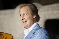 """Actor Jeff Daniels poses at the world premiere of the film """"Dumb and Dumber To"""" in Los Angeles, November 3, 2014. REUTERS/Danny Moloshok"""