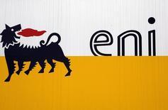 Логотип Eni в Сан-Донато-Миланезе 5 февраля 2013 года. Итальянская нефтегазовая компания Eni подписала с Туркменией ряд соглашений о расширении сотрудничества. REUTERS/Stefano Rellandini