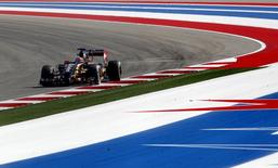 O piloto de F1 francês da Lotus, Romain Grosjean, participa de treinos livres do Grande Prêmio dos EUA, em Austin, em outubro. 31/10/2014 REUTERS/Mike Stone