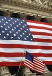 Bandeira dos Estados Unidos na Bolsa de Valores de Nova York. 26/03/2009 REUTERS/Chip East