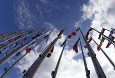 La Commission européenne a averti vendredi la France qu'elle n'hésiterait pas à la sanctionner si elle ne met pas rapidement en oeuvre des réformes structurelles pour améliorer tant ses perspectives de croissance que ses finances publiques. /Photo d'archives/REUTERS/Vincent Kessler