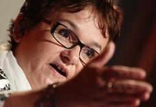 En la imagen, Lautenschlaeger durante una conferencia en Viena, el 30 de septiembre de 2014.  Sabine Lautenschlaeger, miembro del Consejo Ejecutivo del Banco Central Europeo, dijo el sábado que veía poco margen para nuevas medidas de estímulo monetario pese a una caída adicional en la inflación de la zona euro. REUTERS/Heinz-Peter Bader