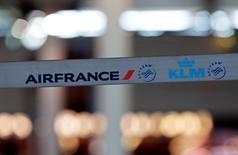 Le Syndicat national des pilotes de ligne (SNPL) a signé l'accord de détachement des pilotes d'Air France au sein de la compagnie low cost Transavia France. /Photo prise le 16 septembre 2014/REUTERS/Jean-Paul Pélissier