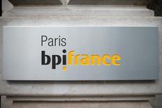 Le ministre de l'Economie Emmanuel Macron a annoncé vendredi la création d'un fonds de 425 millions d'euros, le fonds SPI (sociétés de projets industriels) porté par BPI France, pour soutenir le lancement de projets industriels en fournissant du capital et en partageant les risques. /Photo d'archives/REUTERS/Benoît Tessier