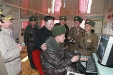Líder da Coreia do Norte, Kim Jong Un, visita unidade militar, em foto de arquivo divulgada pela agência oficial de notícias norte-coreana. REUTERS/KCNA