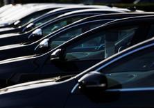 Les immatriculations de voitures neuves en Grande-Bretagne ont augmenté de plus de 9% l'an dernier pour atteindre, à 2,476 millions d'unités, leur niveau le plus élevé en 10 ans, des données qui confortent la place de deuxième marché automobile européen du pays. /Photo d'archives/REUTERS/Luke MacGregor