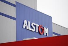 Alstom a vu son chiffre d'affaires progresser de 12% au titre des neuf premiers mois de son exercice 2014-2015, son activité transport ayant notamment bénéficié de livraisons de trains régionaux et grande ligne en France, Allemagne et Italie au 3e trimestre. /Photo prise le 2 décembre 2014/REUTERS/Stéphane Mahé