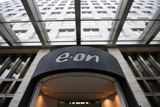 Центральный офис E.ON в Дюссельдорфе, 1 декабря 2014 года. Подконтрольная немецкому концерну E.ON российская энергокомпания E.ON Russia (бывшая ОГК-4) сократила производство электроэнергии в 2014 году на 6 процентов до 59,2 миллиарда киловатт-часов. REUTERS/Ina Fassbender