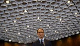 Le président de la Bundesbank Jens Weidmann a exprimé des doutes sur l'efficacité du programme de rachat d'actifs annoncé jeudi par la Banque centrale européenne (BCE) destiné à relancer l'activité économique en Europe. /Photo d'archives/REUTERS/Kai Pfaffenbach