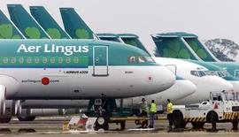 International Consolidated Airlines Group (IAG) a soumis une troisième proposition d'achat à Aer Lingus à raison de 2,50 euros par action, soit 1,3 milliard d'euros au total, croit savoir Sky News. /Photo d'archives/REUTERS/Paul McErlane