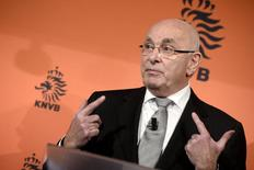 Michael Van Praag, presidente da federação holandesa, concede entrevista. 28/01/2015.  REUTERS/Toussaint Kluiters/United Photos