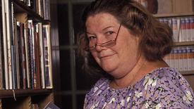 """La autora australiana Colleen McCullough. La autora australiana Colleen McCullough, cuyo bestseller de 1977 """"The Thorn Birds"""" (""""El pájaro canta hasta morir"""") se convirtió en una exitosa serie televisión, falleció a los 77 años. Patrick Riviere/Hulton Archive Variety Media, LLC"""