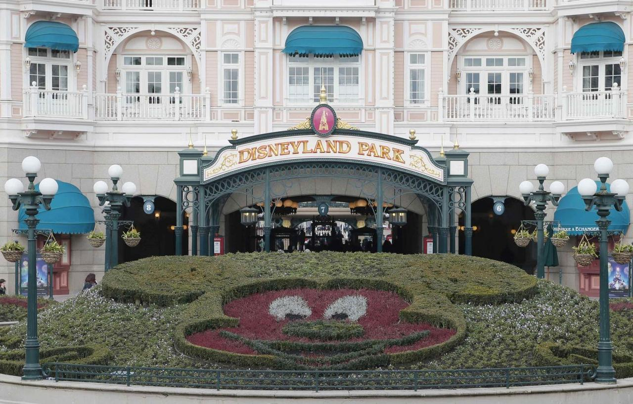 Special Report For French Investors A Euro Disney Nightmare Reuters
