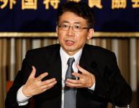 En la imagen, Ryuzo Miyao ofrece declaraciones durante una conferencia de prensa en Tokio. 28 de mayo, 2013. El Gobierno de Japón aplazó inesperadamente el miércoles una nominación ampliamente prevista para el directorio del Banco de Japón, avivando el temor de que el nombramiento podría quedar estancado en una batalla política con los partidos de oposición. REUTERS/Yuya Shino