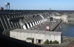 Foto de arquivo da hidrelétrica de Itaipu. 2005 REUTERS/Rickey Rogers/Files