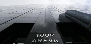 Areva a fait état lundi, avec plus d'une semaine d'avance sur le calendrier initial, d'une perte nette approchant les cinq milliards d'euros pour 2014, plombée par des pertes de valeur et plusieurs provisions, ce qui pousse les investisseurs à s'interroger sur une éventuelle augmentation de capital. /Photo prise le 23 février 2015/REUTERS/Gonzalo Fuentes