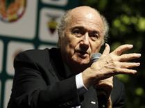 Presidente da Fifa, Sepp Blatter, durante entrevista coletiva após o congresso da Conmebol, em Luque, no Paraguai, nesta quarta-feira. 04/03/2015 REUTERS/Jorge Adorno