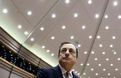 European Central Bank (ECB) President Mario Draghi arrives to take part in a plenary debate on the ECB's Annual Report 2013 at the European Parliament in Brussels February 25, 2015.   REUTERS/Francois Lenoir