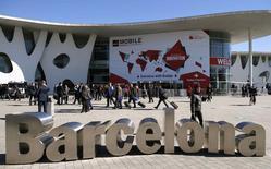 La entrada al Mobile World Congress de Barcelona, mar 5 2015. Los fabricantes de equipos para redes de telecomunicaciones están en curso de colisión con los gigantes de la computación de Silicon Valley, ya que el software y la nube han comenzado a cambiar la forma en que los operadores gestionan sus redes.  REUTERS/Albert Gea