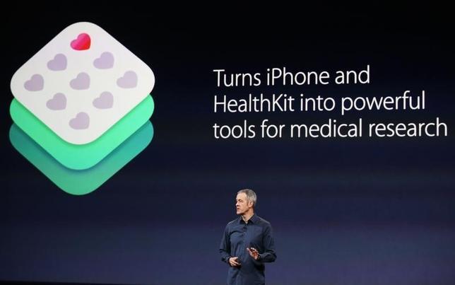 3月9日、米アップルは、医療情報管理ソフトウエア「リサーチキット」を発表した。サンフランシスコで撮影(2015年 ロイター/Robert Galbraith)