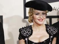 A cantora Madonna chega à cerimônia do Grammy Awards, em Los Angeles, em fevereiro. 08/02/2015 REUTERS/Mario Anzuoni
