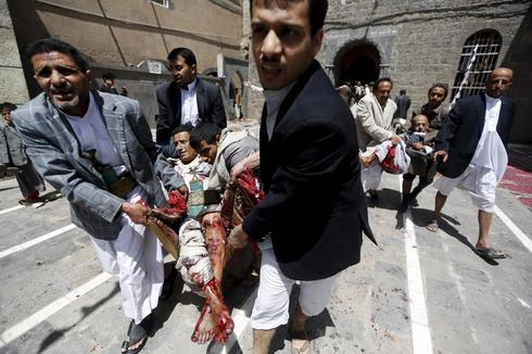 Suicide bombers attack mosques