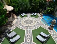 The pool area at the South Beach mansion formerly owned by fashion designer Gianni Versace in Miami Beach, July 23, 2013.   REUTERS/Gaston De Cardenas