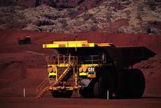 Le groupe minier Rio Tinto a fait état d'une production et de livraisons de minerai de fer inférieures aux attentes des analystes au premier trimestre, tout en confirmant ses objectifs pour l'ensemble de l'année. /Photo d'archives/REUTERS/David Gray